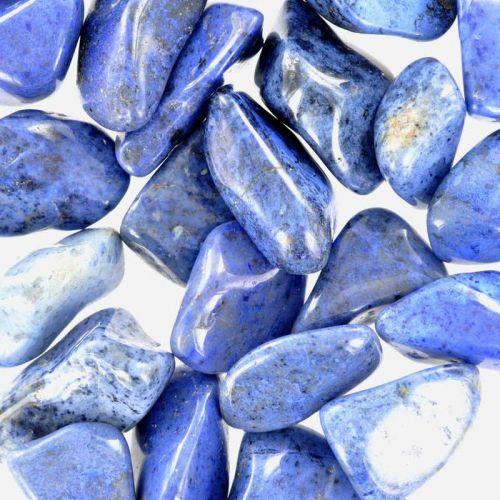 Poids du lot de dumortiérite : 250 gr. 25 pierres env.