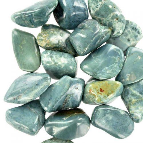 Poids du lot de jade bleu : 150 gr. 18 pierres env