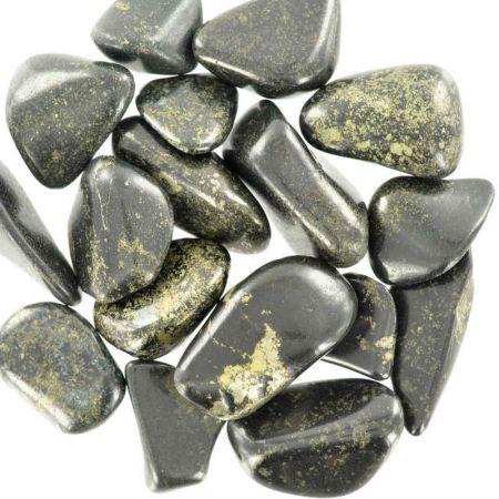 Poids du lot de jade lémurien : 100 gr. 16 pierres env.