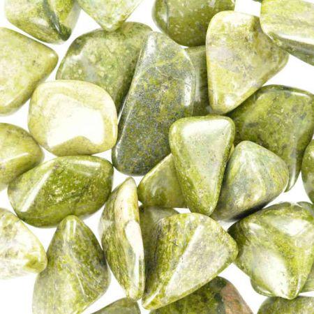 Poids du lot d'épidote: 250 gr. 25 pierres env.