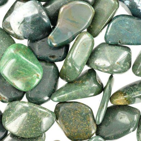 Poids du lot d'agate mousse verte: 250 gr. 34 pierres