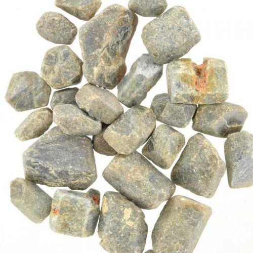 Poids du lot de saphir brut : 150 gr. 28 pierres env.
