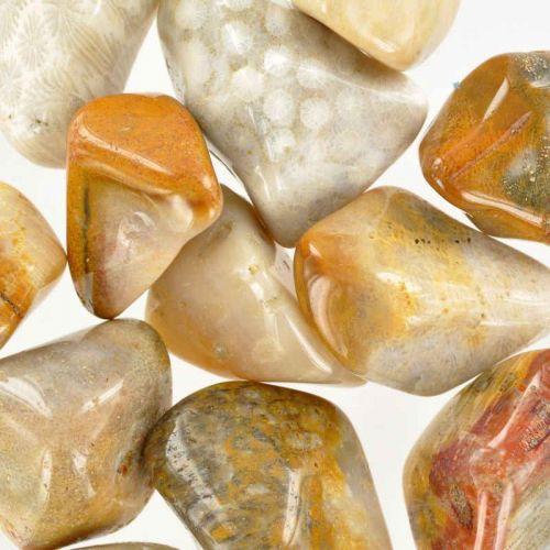 Poids du lot d'agate corail : 250 gr. 13 pierres env.
