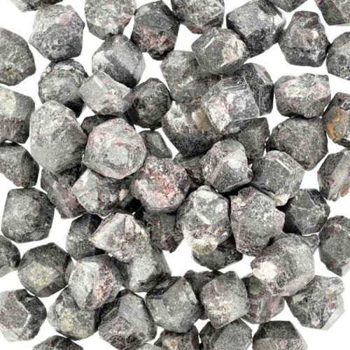 Poids du lot de grenat rouge: 250 gr. 80 pierres env.