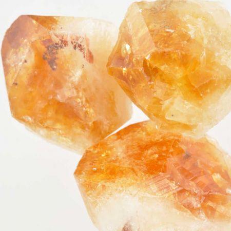 Poids du lot de citrine chauffé brute : 250 gr.  3 pierres env.