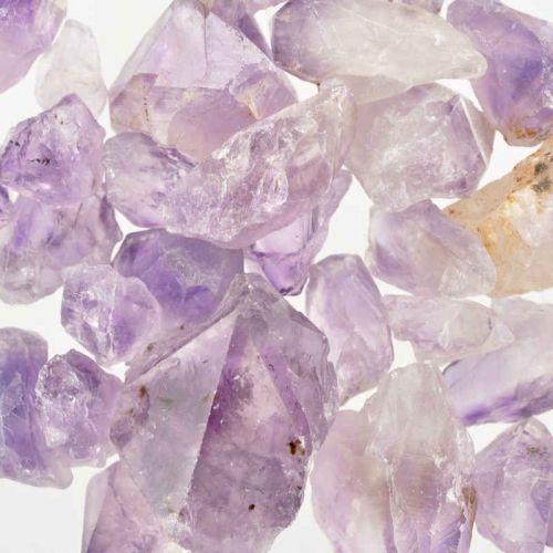 Poids du lot d'améthyste brute pointe : 250 gr.  35 pierres env.