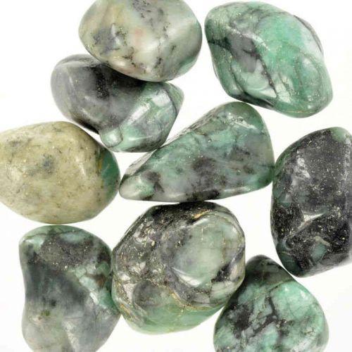Poids du lot d'émeraude : 100 gr. 150 pierres env.