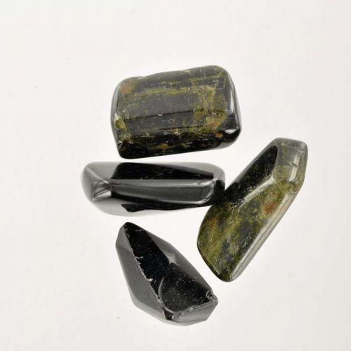 Poids du lot de tourmaline verte  : 50 gr. 4 pierres env.