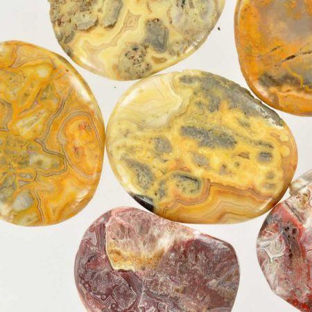 Poids du lot d'agate : 250 gr. 11 pierres env.