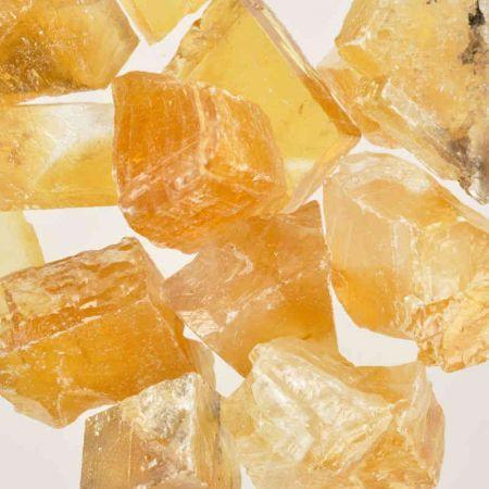 Poids du lot de calcite miel: 250 gr. 13 pierres env.