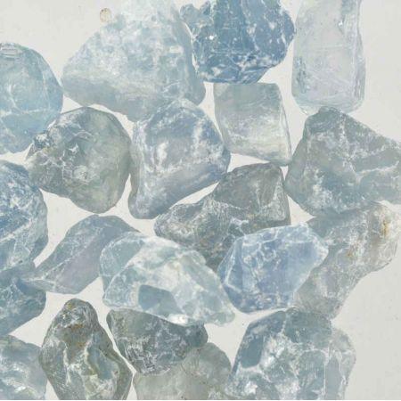Poids du lot de célestine brute : 250 gr. 21 pierres env.
