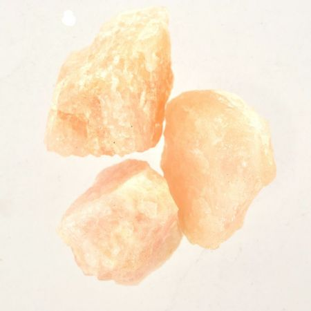 Poids du lot de morganite brute : 100 gr. 3 pierres env.