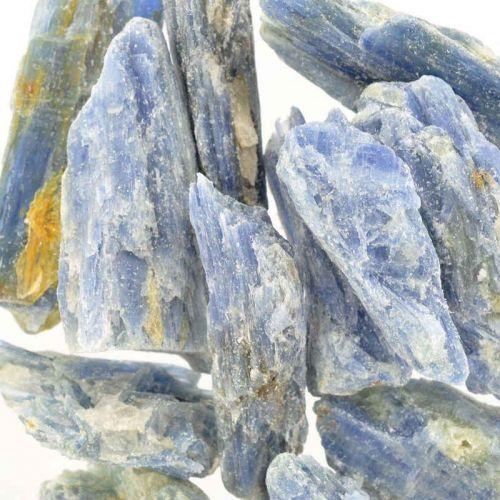 Poids du lot d'apatite brute : 255 gr.  13 pierres env.